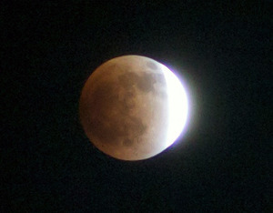 Lunar_eclipse_20111210_224622