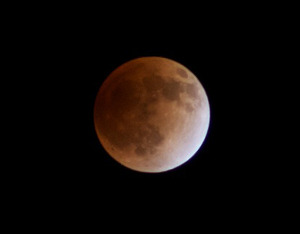Lunar_eclipse_20111210_230736